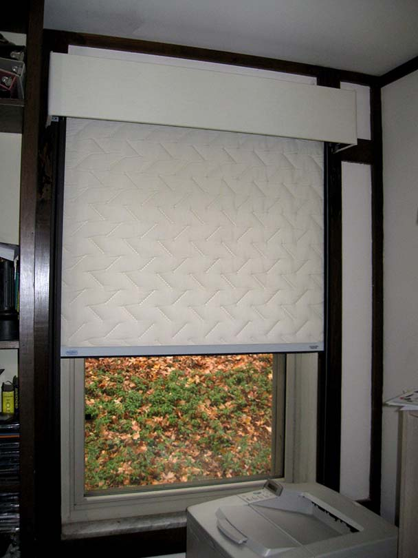 Insulated window shades save energy and increase comfort for Window insulation values