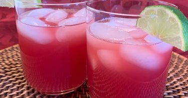 Two mocktail seabreezes